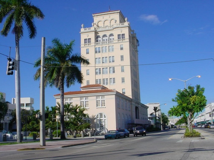 Miami Beach Court Building